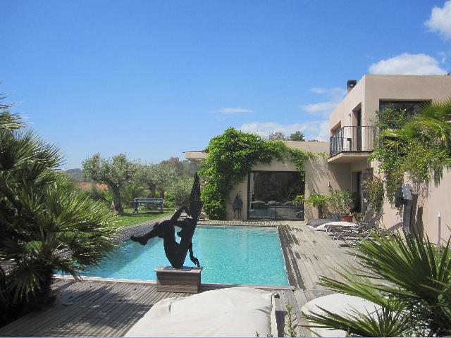 A vendre villa 330 m la croix valmer guillec immobilier for Piscine 3 05 x 0 91