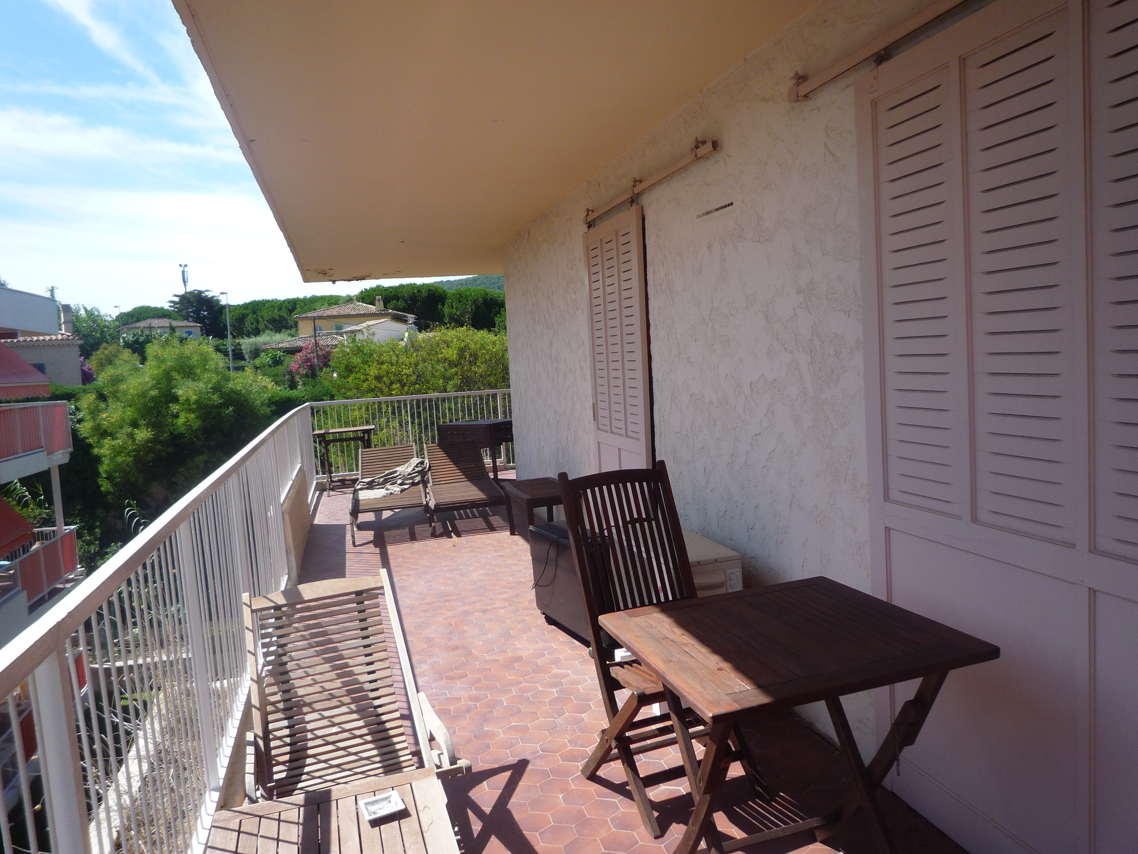A vendre appartement 44 m saint tropez guillec immobilier for Terrasse et cie immobilier