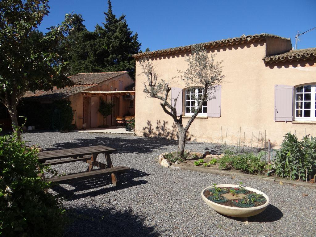 A vendre villa 0 m saint tropez guillec immobilier for Des belles villas