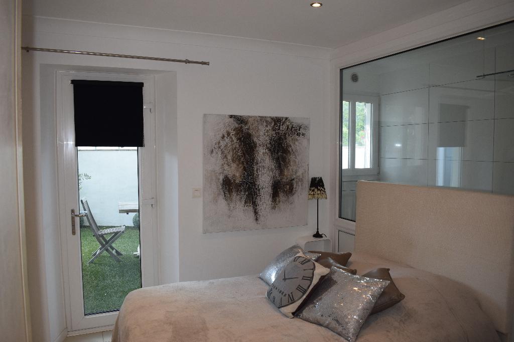 A vendre appartement 65 m saint tropez guillec immobilier - Piscine dans petit jardin de ville saint paul ...