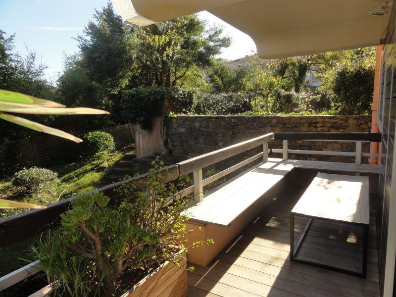 A vendre appartement 0 m saint tropez guillec immobilier for Jardin terrasse appartement