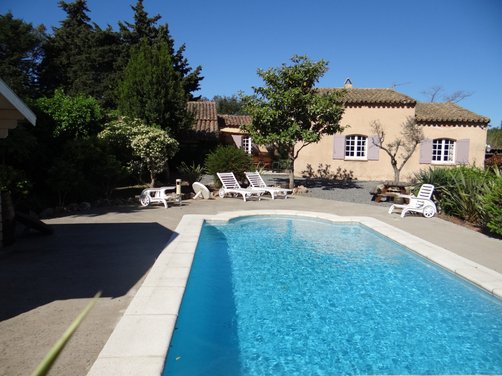 A vendre villa 0 m saint tropez guillec immobilier for Villa mirleft avec piscine