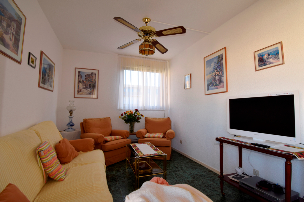 APARTMENT TWO STEPS FROM THE PORT IN A GUARDED RESIDENCE 4/9