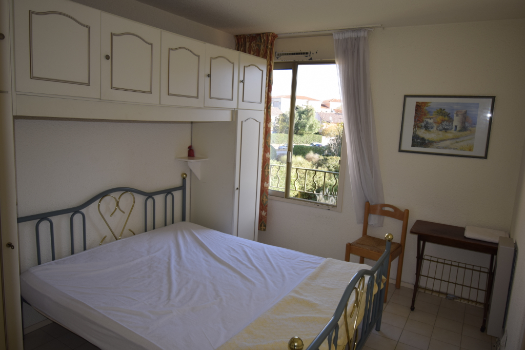 APARTMENT TWO STEPS FROM THE PORT IN A GUARDED RESIDENCE 7/9