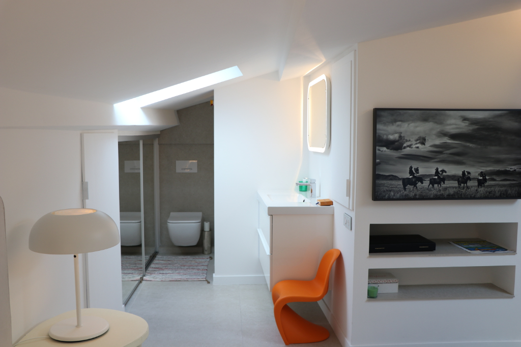 DEUX APPARTEMENTS RENOVES A 100 METRES DU PORT 8/10